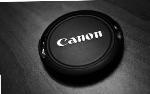 ����������� ���������� Canon 5Ds ������ 50,6 - �� ������
